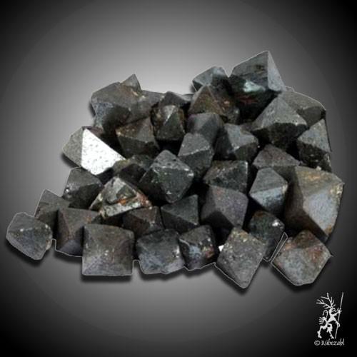 MAGNETIT Naturkristall