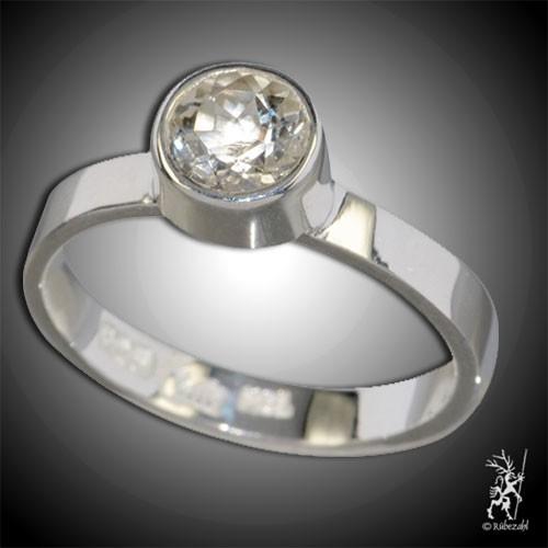TOPAS weiss ca. 6 mm face. Design Echtsilber Ring