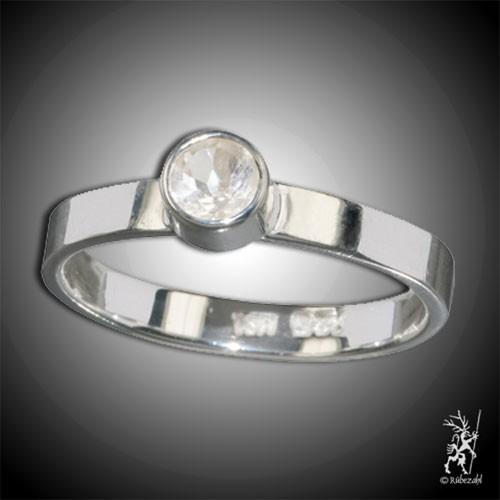 TOPAS weiss ca. 4 mm face. Design Echtsilber Ring