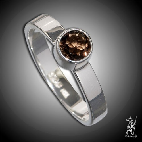 RAUCHQUARZ ca 4 mm face. Design Echtsilber Ring