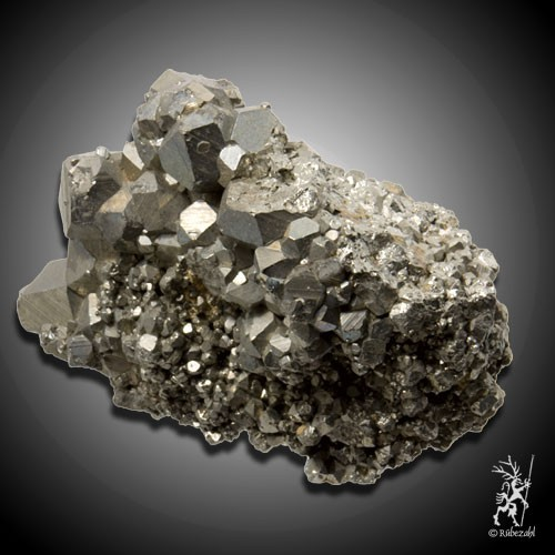 PYRIT (Katzengold) Kristallstufe