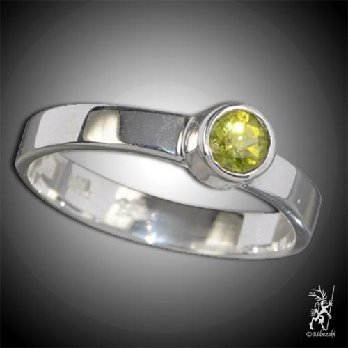 PERIDOT ca 4 mm facettiert Design Echtsilber Ring