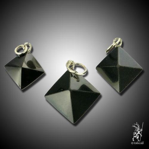 ONYX (schwarz) Pyramide Anhänger