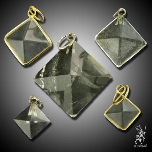 BERGKRISTALL Pyramide Anhänger