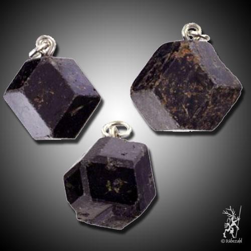 GRANAT Kristall ca. 2 cm Anh.geol.