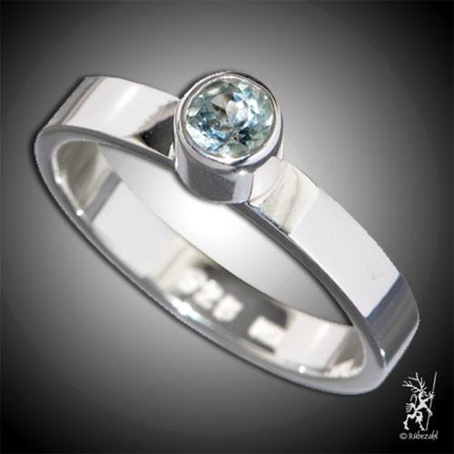TOPAS blau ca. 4 mm face. Design Echtsilber Ring