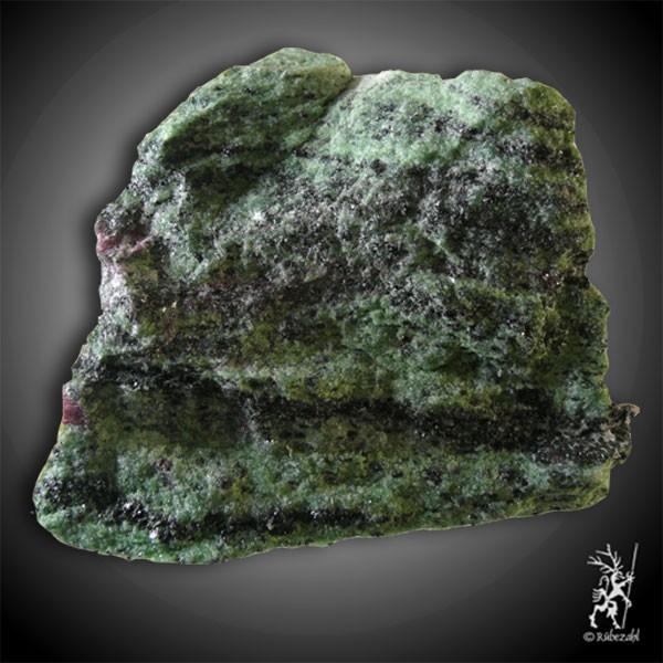ZOISIT mit RUBIN geol. XXL